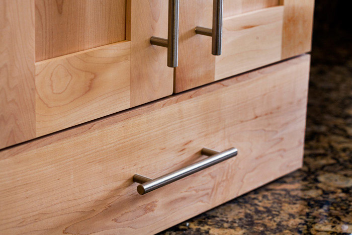 Top Knobs Decorative Hardware M430 European Bar Pulls